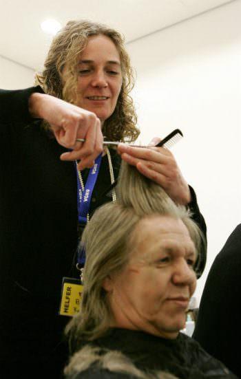 Weihnachtsfeier_Haare schneiden